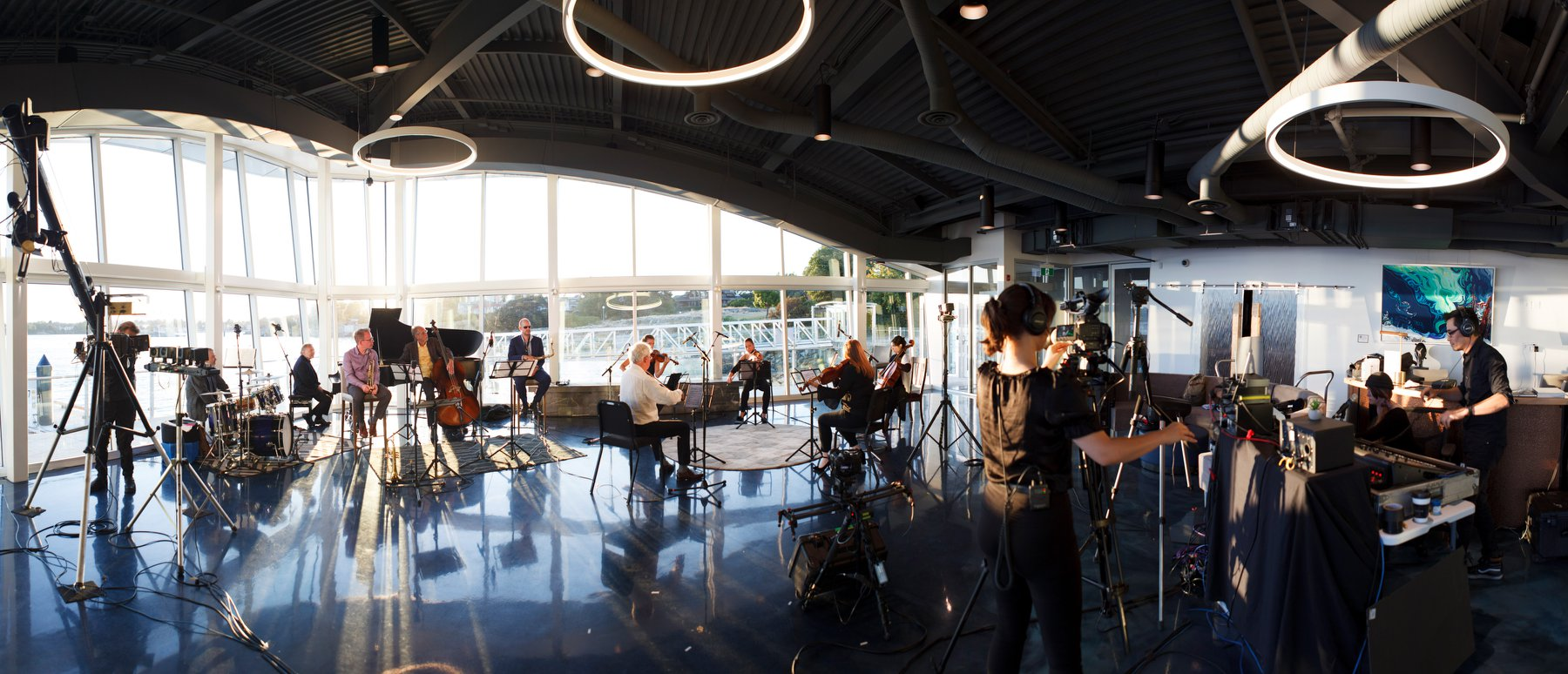 Music by the Sea live at Victoria International Marina