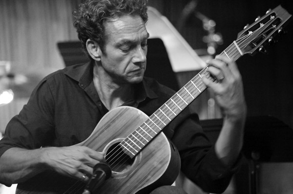 Elliot Freedman baritone guitar
